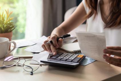 Gehalt in Frankreich: Brutto / Netto, Sozialabgaben und wichtige Steuern