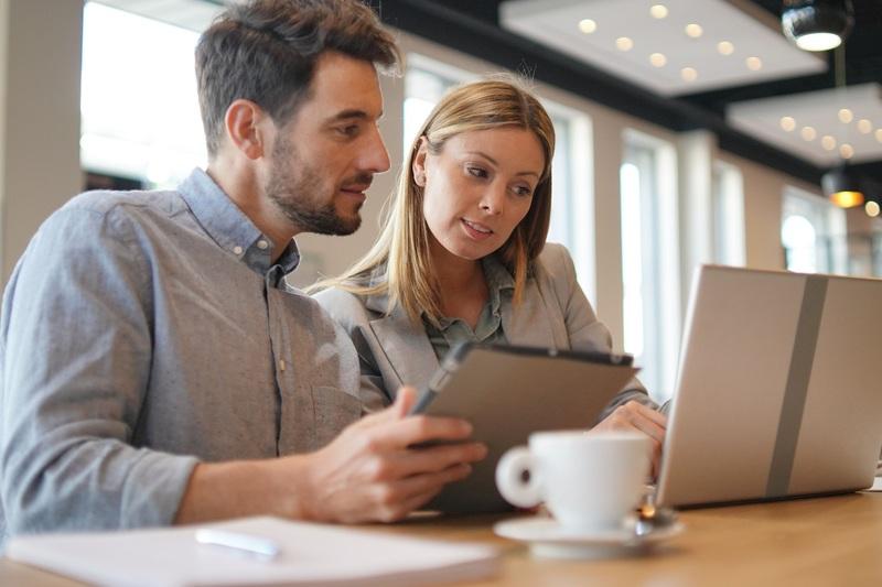Le CV allemand pour un commercial : conseils, particularités et exemples