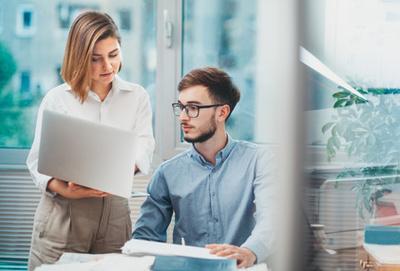 Als Praktikant ein Berufsnetzwerk in Frankreich aufbauen: so erhöhen Sie Ihre Chancen bei der Jobsuche