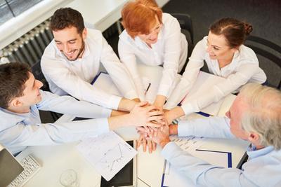 Esprit d'équipe au travail Teamgeist