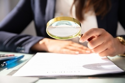 Stellenanzeige richtig entschlüsseln und entscheidende Angaben herausfiltern