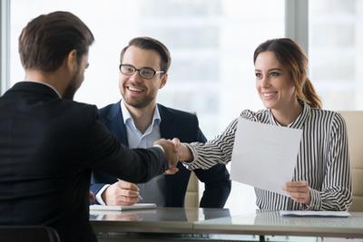 Cadres d'entreprise : attention aux pièges dans votre contrat de travail allemand