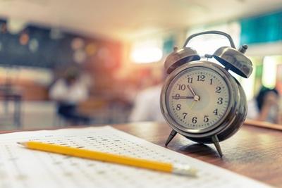 Wichtige Aspekte bei der Probezeit in Frankreich: Kündigungsfristen für Arbeitnehmer & Arbeitgeber und Verlängerung