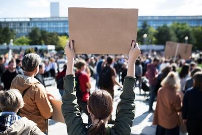 Le droit de grève en France et en Allemagne : comparaison, conditions et usage