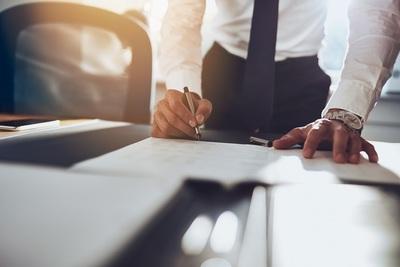 Réclamer un certificat de travail provisoire en Allemagne : modèle et règles importantes
