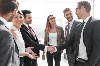 Trouver et recruter des agents commerciaux en Allemagne