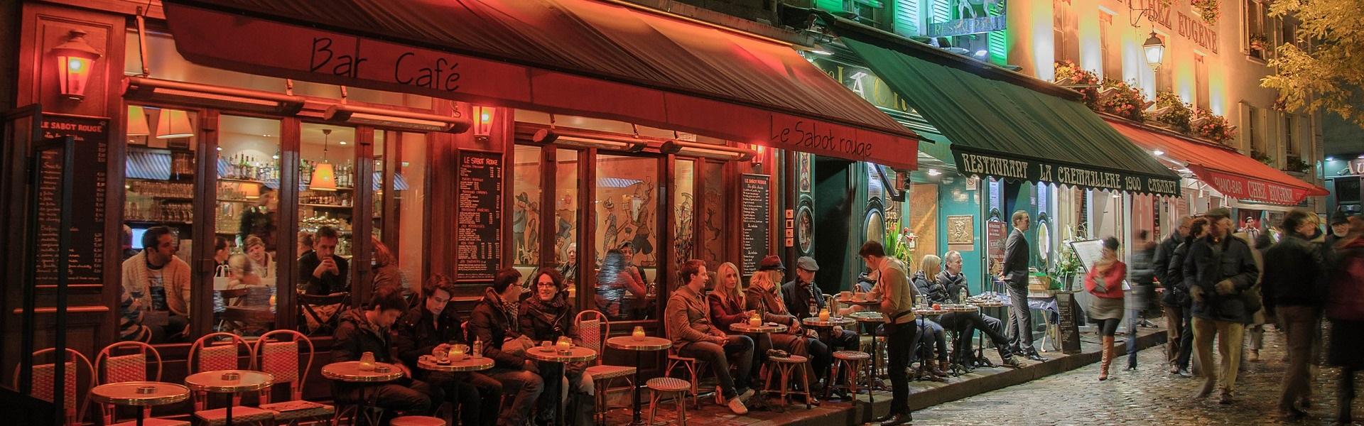 Benutzung von Netzwerken, um eine Stelle in Paris zu finden