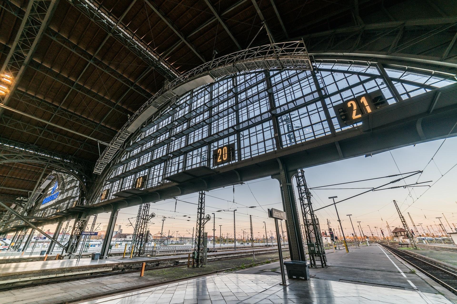 La gare centrale de Leipzig et station de S-Bahn Wilhelm-Leuschner-Platz